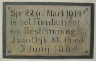 De eerste steen van de nieuwe christelijke lagere school