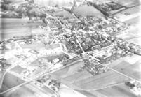 Luchtfoto uit 1951 van Zelhem, nog zonder de grote uitbreiding