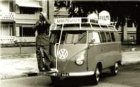Een speciaal aangepast Volkswagen busje